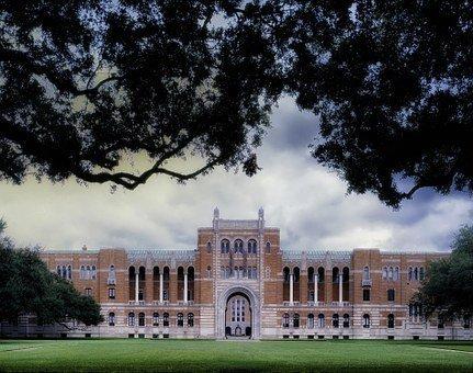 Universidad ricos