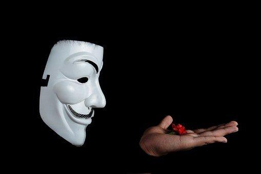 Si quieres conseguir seguidores en Twitter, mejor no uses máscaras